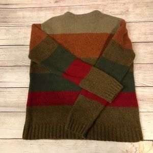 American Eagle sweater size Medium.